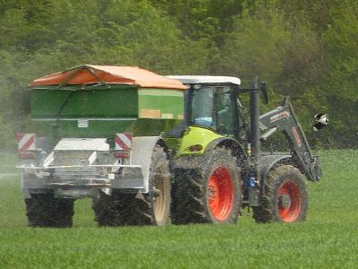 TraktorMitAngreifer